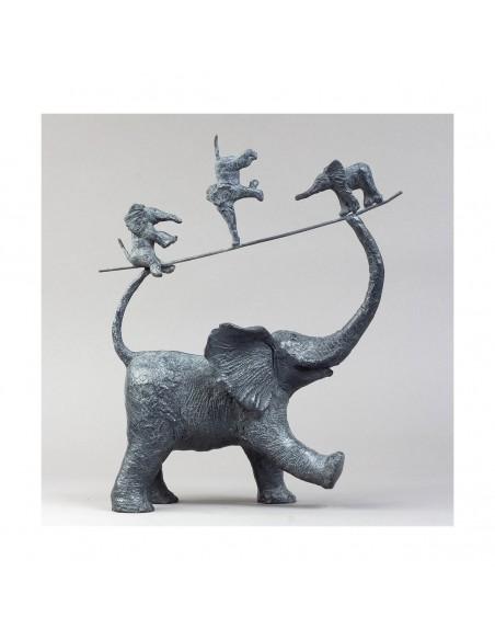 Sculpture de Sophie Verger Mes trois garnements en bronze profil droit