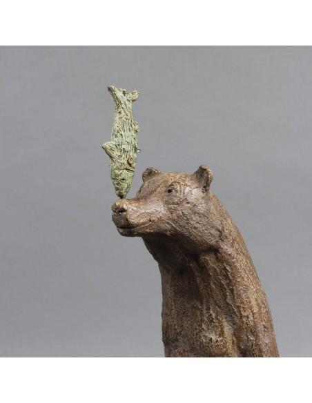 Sculpture de Sophie Verger La course au poisson en bronze, détail buste