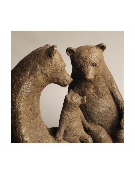 Sculpture de Sophie Verger Premier enfant en bronze rapproché