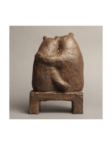 Sculpture de Sophie Verger Les fiancés sur un banc en bronze de dos