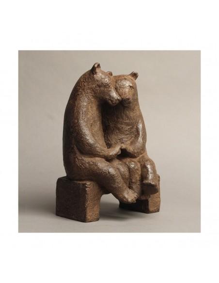Sculpture de Sophie Verger Les fiancés sur un banc en bronze de profil
