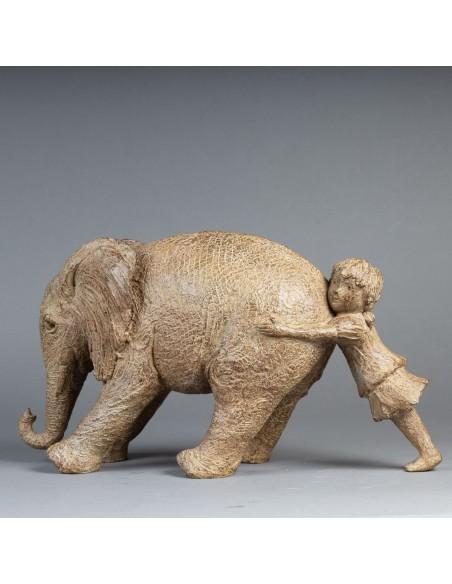 Sculpture de Sophie Verger Tiens bon! en bronze, profil gauche