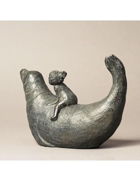 Sculpture de Sophie Verger La petite baigneuse en bronze de dos