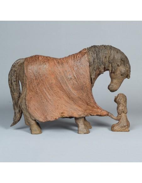 Sculpture de Sophie Verger Bien au chaud en bronze, profil droit