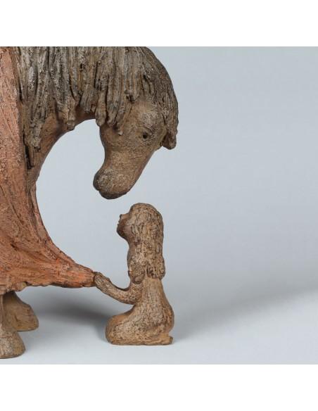 Sculpture de Sophie Verger Bien au chaud en bronze, détail