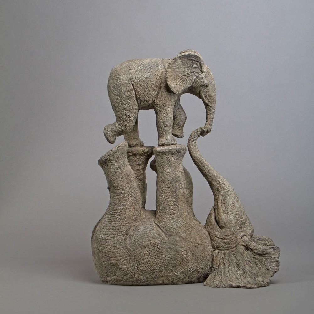 Sculpture de Sophie Verger Tendres jeux en bronze