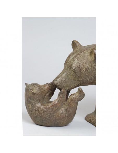 Sculpture de Sophie Verger Trois oursons en bronze, détail têtes