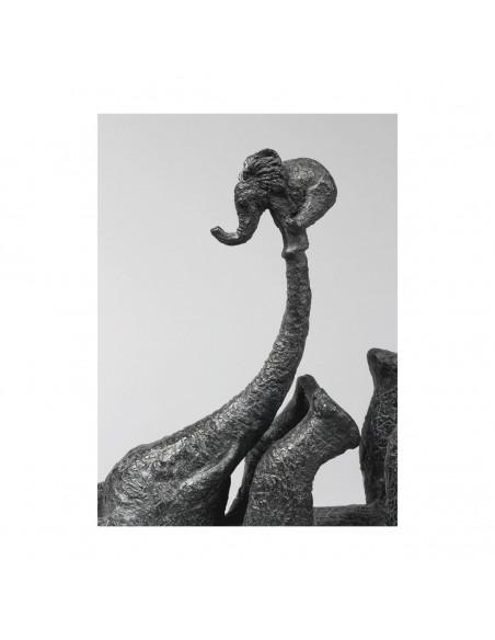 Sculpture de Sophie Verger Éléphant perché en bronze, détail trompe