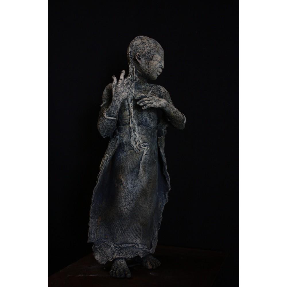 Sculpture de Evelyne Galinski Ora en bronze de profil