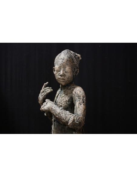 Sculpture de Evelyne Galinski Ora en bronze de face