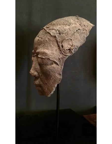 Sculpture de Evelyne Galinski Ânh X en bronze de profil