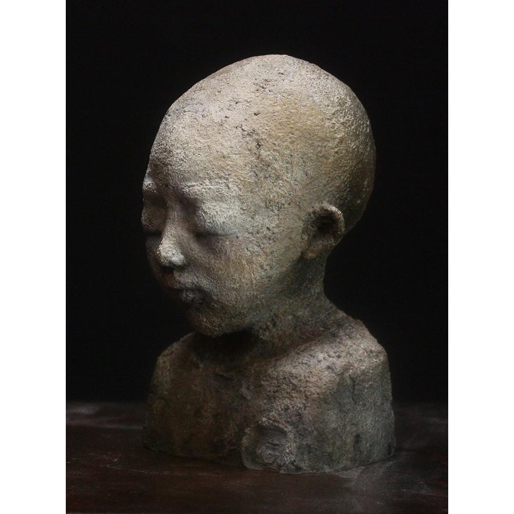 Sculpture de Evelyne Galinski Xia en bronze de face