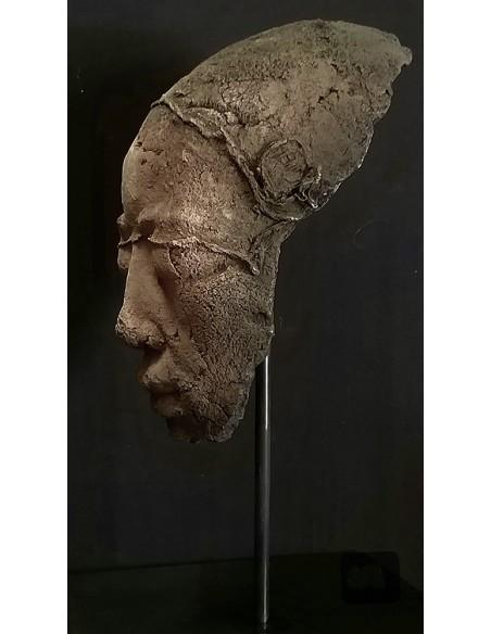 Sculpture de Evelyne Galinski Ânh X en bronze de profil sombre